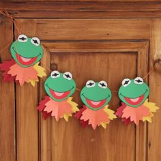 Kermit's Autumn Leaf Garland is a different and fun way to decorate this season! I love this project!