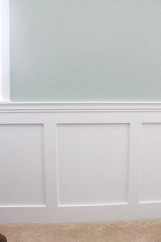 I finally put together a post aboutinstalling wainscoting in the living room. I saw all these lovely rooms with beautiful moulding in mag...