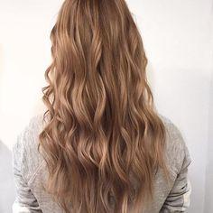 Beige blonde hair by Randy (Salon B, Amsterdam centrum). Inspired by Gigi Hadid✨#salonbnl #beigeblonde #gigihadid #hair
