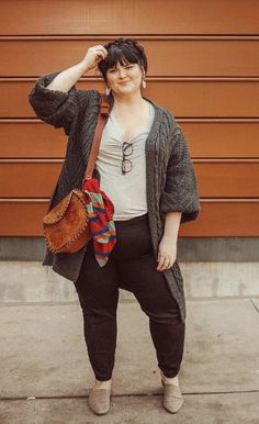 Plus Size Fall outfit - curvy plus size style. This cardigan is everything. Tons more great basics a Plus Size Tips, Look Plus Size, Curvy Plus Size, Plus Size Style, Plus Size Fall Outfit, Plus Size Fashion For Women, Plus Size Women, Autumn Fashion Plus Size, Autumn Fashion Curvy