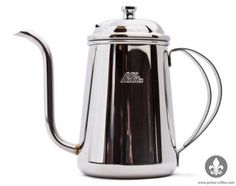 The Kalita Thin Spout Kettle is the perfect pourover kettler for brewing cups of coffee. It has a capacity of 700 milliliters & weighs only 345 grams. Coffee Carts, Cute Cups, Pour Over Coffee, How To Make Coffee, Coffee Beans, Coffee Time, Brewing, Tea Pots, Still Life