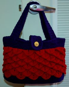 omg this would take soooo long but it does not stop me from wanting to make it Crochet Purses, Crochet Bags, Crochet Clothes, Crochet Ideas, Knit Patterns, Stitch Patterns, Crotchet, Knit Crochet, Yarn Crafts