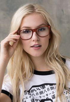 Retro Fashion, Love Fashion, Vintage Fashion, Vintage Style, Cute Cosplay, Kawaii Cosplay, Geek Glasses, Woman With Blue Eyes, Female Pose Reference