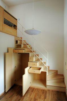 Diy home decor Tiny House Stairs, Tiny House Loft, Tiny House Living, Tiny House Design, Staircase Storage, Staircase Design, Stair Storage, Wooden Stairs, Home Interior Design