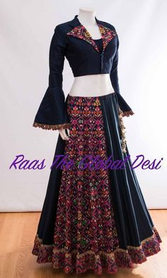 CHANIYA CHOLI 2018 Silk Chania with designer brocade blouse and contrast dupatta Choli Blouse Design, Choli Designs, Lehenga Designs, Latest Lehnga Designs, Blouse Designs, Garba Dress, Navratri Dress, Choli Dress, Indian Designer Outfits