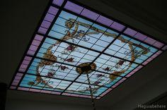 i Vitraux pintado con flores y accesorios ornamentales clásicos - diseñado y realizado en 2011- Buenos Aires.#vitraux  #vidrio   #glass-art  #vetrata-decorata  #grisallas