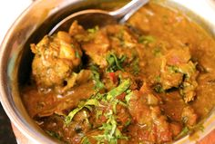 Since chicken is a popular fare with non-vegetarians and the month of September celebrates this dish, we list 10 traditional Indian chicken curry recipes that you must try. Slow Cooker Recipes, Crockpot Recipes, Chicken Recipes, Recipe Chicken, Chicken Salad, South Indian Chicken Curry, Curry In A Hurry, Indian Food Recipes, Ethnic Recipes