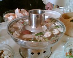 Fondue, Wok, Marinated Cheese, Shabu Shabu, Fun Cooking, Punch Bowls, Asian Recipes, Tips, Gourmet