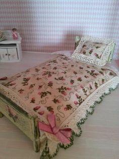 Dollhouse  112 scale  Set mini bedding Little by LaboratoriodiManu, €15.00