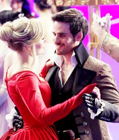 Emma and Hook... Look at his smile