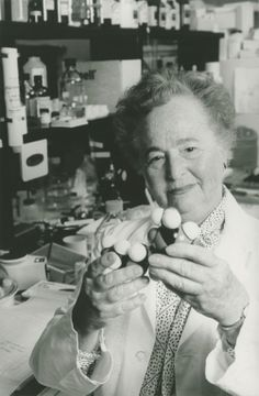 Gertrude Elion, 1983 Nobel Prize in Medicine (co-winner). Awarded for Elion's work on drug research, her scientific discoveries in 1984 helped lay the foundation for the development of the AIDS drug AZT. Elion received her Master of Science degree from NYU in 1942.