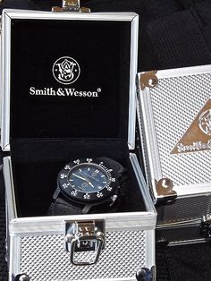 SMITH & WESSON Police Law Enforcement Watch Back Glow Water Resistant New $44.09