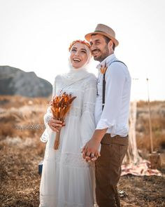 Muslim Couple Photography, Wedding Photography, Wedding Shoot, Boho Wedding, Prewedding Hijab, Wedding Hijab Styles, Muslimah Wedding, Open Dress, Wedding Hair Pieces