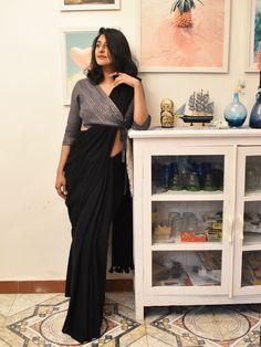 Groovy black colour stylish looking chanderi silk saree exclusive bridal lehenga designed by sashi vangapalli Designer Kurtis, Designer Dresses, Latest Designer Sarees, Designer Wear, Fancy Blouse Designs, Designs For Dresses, Latest Saree Blouse Designs, Latest Design Of Blouse, Shagun Blouse Designs
