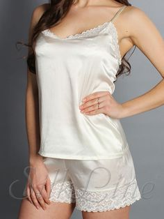 ffdba9f3bf4cbe4 Женская шелковая пижама с шортиками и нежным кружевом SL-15, SilkLine.com.