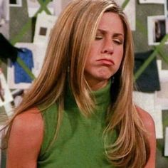 "19.9 mil curtidas, 50 comentários - 💗 blasé bitch 💗 (@spoiledvenus) no Instagram: ""happy birthday to the QUEEN of 90s hair @jenniferaniston"" Rachel Green Outfits, Estilo Rachel Green, Rachel Green Hair, Rachel Green Friends, Rachel Green Quotes, Rachel Friends Hair, Rachel Green Style, Friends Moments, Friends Series"