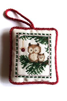 Cross Stitch Pattern Owl Family Mother and Child Owl Cross Stitch Owl, Cat Cross Stitches, Just Cross Stitch, Cross Stitch Borders, Cross Stitch Samplers, Cross Stitch Animals, Counted Cross Stitch Patterns, Cross Stitching, Cross Stitch Embroidery