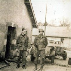 Capt Winters and Capt Nixon before onwards to Bastogne. Co E, 2nd Btln. 506th PIR