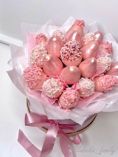 Cake Pop Bouquet, Candy Bouquet, Boquet, Hot Chocolate Gifts, Chocolate Hearts, Chocolate Covered Treats, Chocolate Dipped Strawberries, Happy Birthday Flower, Strawberry Dip