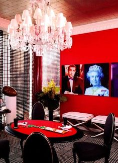 Designer Lary Laslo featured Metallic Leaf Vegas in the poker room of the 2009 Esquire Showhouse, Soho New York City, New York. Poker Party Foods, Poker How To Play, Apt Ideas, Decor Ideas, Man Cave Bar, Interior Decorating, Interior Design, Furniture Collection, Soho