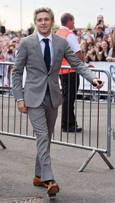 Niall so very handsome and all dressed for the occasion.