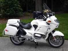BMW R1150RT-P mine has more police lights and faux sherrif markings