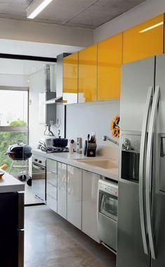 armários amarelos