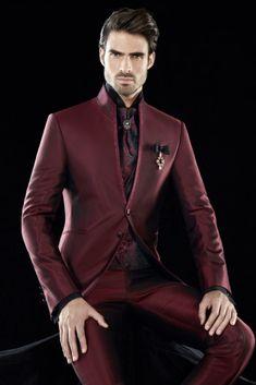 50 nuances de rouge   la bonne couleur pour votre costume de marié 1616db67f1e