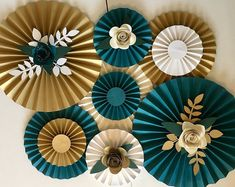 Check out our gold white paper fans selection for the very best in unique or custom, handmade pieces from our shops. Paper Fan Decorations, Backdrop Decorations, Wedding Decoration, Paper Flower Backdrop, Giant Paper Flowers, Pinwheel Cake, Papier Diy, Paper Fans, Gold Party