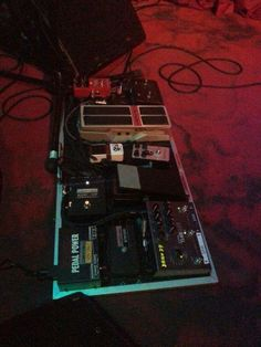 Robben Ford's Pedalboard for European tours w/Vertex Stereo VP