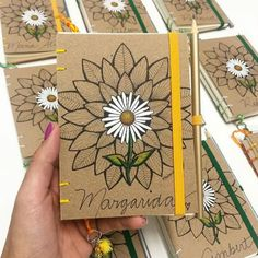 Notebook Diy, Handmade Notebook, Handmade Books, Floral Tattoo Design, Cute Notebooks, Fabric Journals, Bullet Journal Art, Art N Craft, Diy Blog