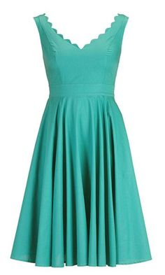 Love the retro look of this turquoise bridesmaid dress