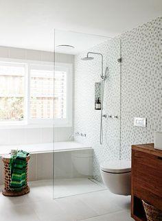 Entryway Decor Ideas Modern White tile bathroom with glass shower.Entryway Decor Ideas Modern White tile bathroom with glass shower White Bathroom Tiles, Bathroom Renos, Laundry In Bathroom, Bathroom Ideas, Wet Room Bathroom, Bath Room, Gray Tiles, Bathtub Ideas, Light Bathroom
