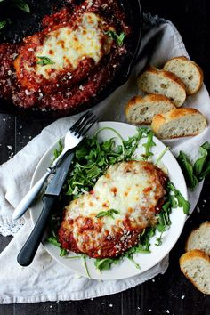 Skillet Chicken Parmesan | 7 Date Night Dinner Ideas For Valentine's Day