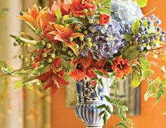 I Pinned This From The Winward Lush Spring Arrangements By Fl Designer Matt Wood Event