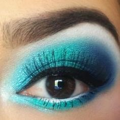 Nice alice in Wonderland makeup for alice