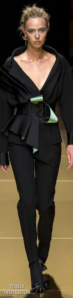 #Farbbberatung #Stilberatung #Farbenreich mit www.farben-reich.comAtelier Versace Fall 2016 Haute Couture | Purely Inspiration