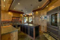 Год постройки mountain style home. Log Cabin Kitchens, Home Kitchens, Southern House Plans, Dream House Interior, Modern Mansion, Dream House Plans, Modern Exterior, Dream Rooms, Layout Design
