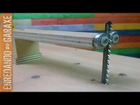 Carro de escuadrar con la sierra de calar de mesa. Jigsaw table crosscut sled - YouTube
