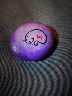 cat painted stone, hand-painted stone, cat painting, stone art, miniature art, purple stone, cat, painting, express shipping
