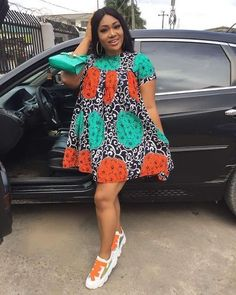 2020 Short African dresses are constantly chic and never lose their significance. Best African Dress Designs, Short African Dresses, African Blouses, African Print Dresses, African Prints, Short Dresses, Trendy Dresses, African Fashion Ankara, Latest African Fashion Dresses