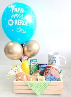 Wedding Gift Boxes, Wedding Favor Bags, Creative Birthday Gifts, Creative Gifts, Picnic Box, Valentines Gift Box, Edible Bouquets, Birthday Breakfast, Diy Birthday Decorations