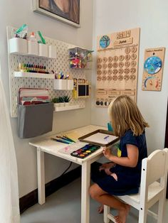 Are you wondering how to homeschool in a small space? See how we turned our dining room into a homeschool room with space for art, music, nature, and books! Kids Homework Station, Kids Art Station, Kids Homework Room, Study Room Kids, Kids Study Spaces, Kids Room Art, Learning Spaces, Learning Stations, Girl Room