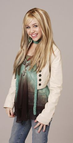 Photo of Hannah Montana Season 1 Promotional Photos [HQ] for fans of Hannah Montana 8435436 Hannah Montana Outfits, Hannah Montana Songs, Hannah Montana Forever, Disney Channel, Miley Cyrus Photoshoot, Cody Linley, Jason Earles, Tennessee, Miley Stewart