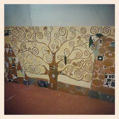 #collegeassignment #art #treeoflife #windowdisplay #visualmerchandising
