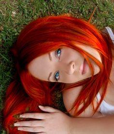 Red hair hair makeup my style Natural Red Hair, Long Red Hair, Red Hair Blue Eyes Girl, Brown Hair, Bright Hair Colors, Red Hair Color, Color Red, Colorful Hair, Eye Color