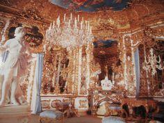 Google Image Result for http://afghanistanmylasttour.files.wordpress.com/2009/12/hall-of-mirrors-inside-linderhof-castle.jpg