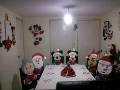 ❀◕‿◕❀ Help with Disney Reasons .- ❀◕‿◕❀ Help with Disney Reasons More - Disney Christmas, Christmas Time, Xmas, Disney Diy, Disney Crafts, Christmas Decorations, Christmas Ornaments, Holiday Decor, Disney Ornaments