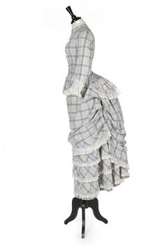 One Item - Kerry Taylor Auctions 1880s Fashion, Victorian Fashion, Vintage Fashion, Summer Gowns, Victorian Costume, Period Outfit, Medieval, Historical Clothing, Day Dresses
