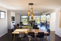 + St Kilda Wetlands Duplex - Dining/Living +